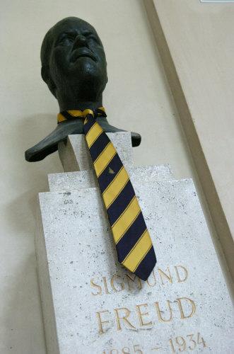 Ob Phallus-Symbol oder Accessoire, an der Uni sind Krawatten selten | (c) Clemens Fabry (Die Presse)